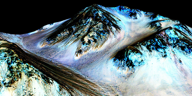 Curved Diffraction Gratings Essential for Measurements of Water on Mars